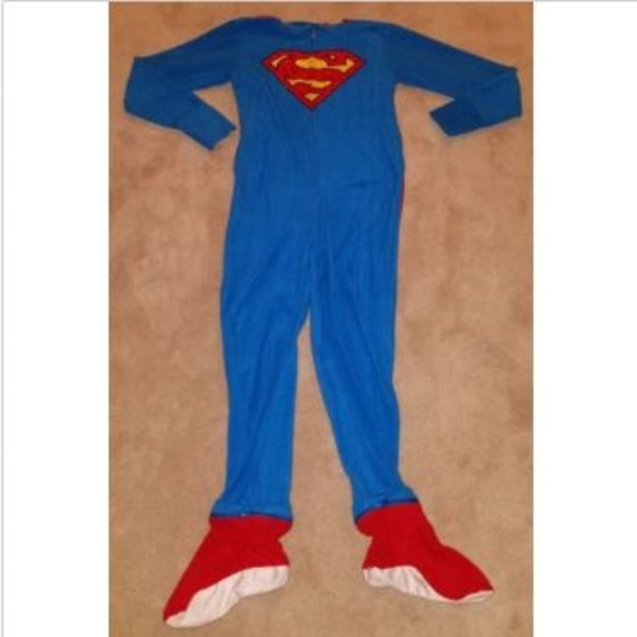 fc6ffa38bc Superman Supergirl Fleece Footie Pajamas Costume. M 5b40df8c2e1478040ed70415